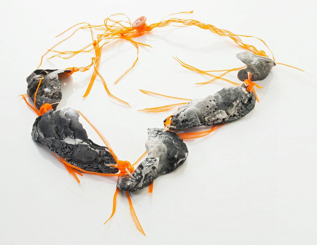 ketting schelp zilver oranje koord